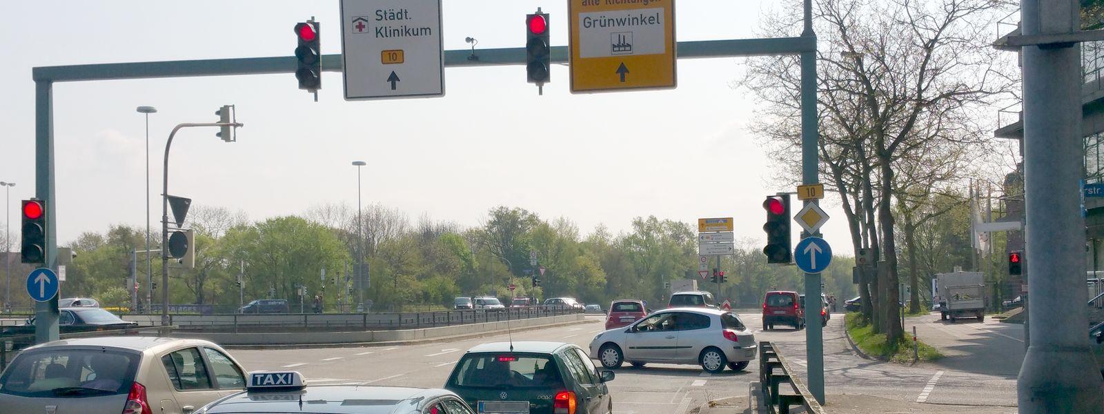 Rote Ampel überfahren in Karlsruhe, B10, Kreuzung Keßlerstraße? Bußgeld bzw. Fahrverbot nicht gleich akzeptieren!