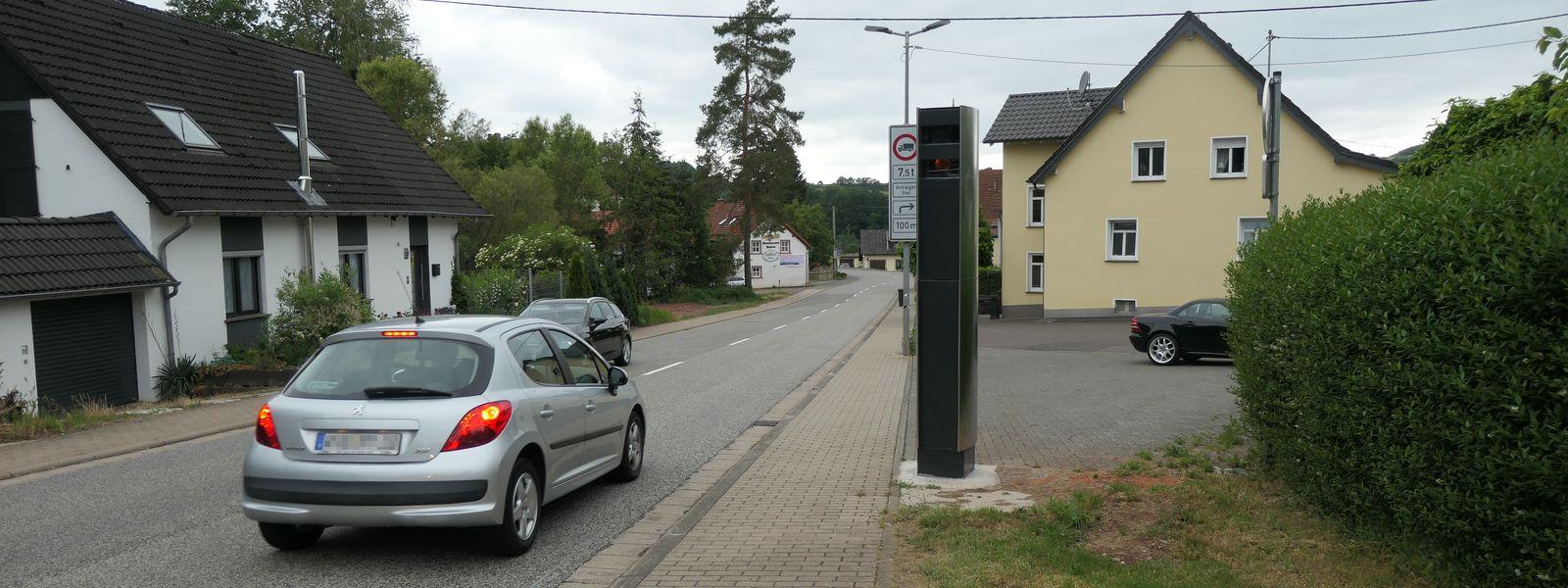 Neue TraffiStar S 330-Blitzer in Wadern (Kastelerstraße, Höhe Feuerwehr und Löstertal, Nonnweilerstraße): Verteidigung gegen Bußgeldbescheid möglich?